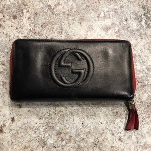 Gucci soho black and red wallet